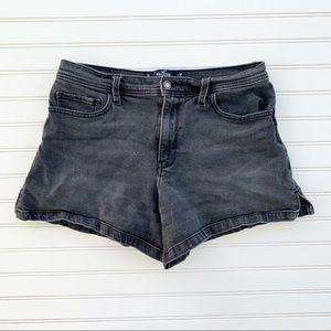 Hollister black high-rise vintage short shorts